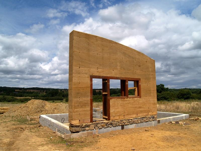 Construction maison en terre maison en pis - Construire une maison en terre ...